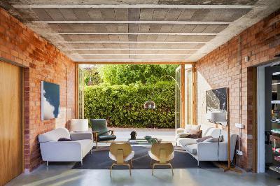 Thiết kế và thi công nội thất phòng khách sang trọng, độc đáo với tường gạch trần (P.1)